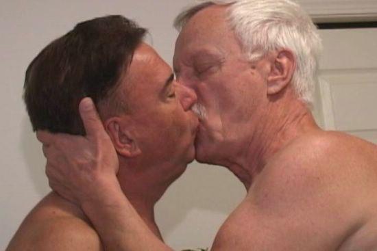Hombre Casado Y Soltero 398141