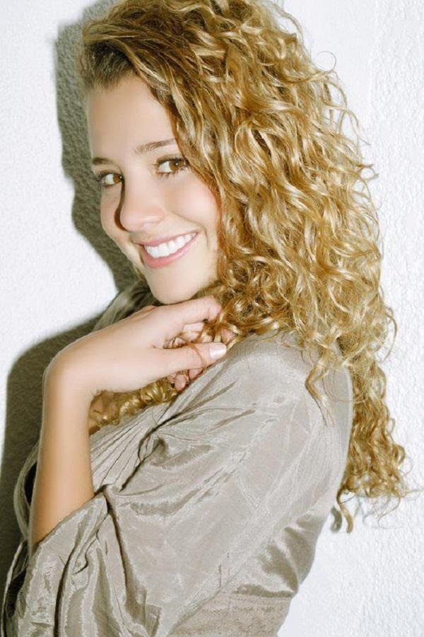 Mujer Soltera Espanaana 909126
